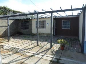 Casa En Venta En Yaritagua, Municipio Peña, Venezuela, VE RAH: 16-18173