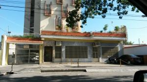 Apartamento En Venta En Maracay, San Agustin, Venezuela, VE RAH: 16-18168