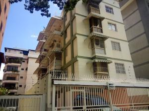 Apartamento En Venta En Caracas, Valle Abajo, Venezuela, VE RAH: 16-18172