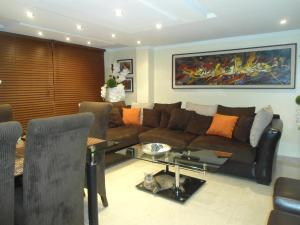 Apartamento En Venta En Maracaibo, Valle Frio, Venezuela, VE RAH: 16-18177