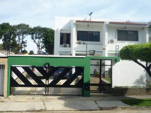 Casa En Venta En Valencia, La Trigaleña, Venezuela, VE RAH: 16-18072