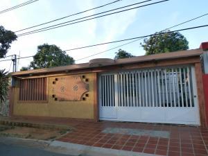 Casa En Venta En Maracaibo, San Jacinto, Venezuela, VE RAH: 16-18185