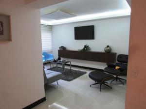 Apartamento En Venta En Caracas - Los Chorros Código FLEX: 16-18187 No.6