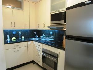 Apartamento En Venta En Caracas - Los Chorros Código FLEX: 16-18187 No.10