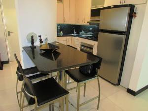 Apartamento En Venta En Caracas - Los Chorros Código FLEX: 16-18187 No.11