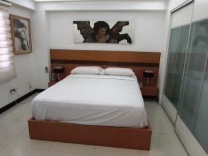 Apartamento En Venta En Caracas - Los Chorros Código FLEX: 16-18187 No.14