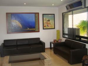 Apartamento En Venta En Caracas - La Tahona Código FLEX: 16-18748 No.4