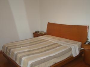 Apartamento En Venta En Caracas - La Tahona Código FLEX: 16-18748 No.11