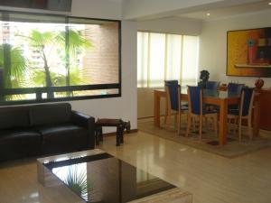 Apartamento En Venta En Caracas - La Tahona Código FLEX: 16-18748 No.2