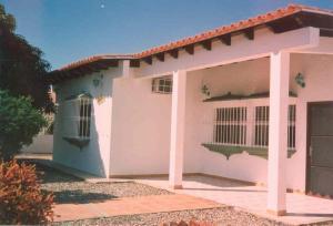 Casa En Venta En Cupira, Playa Pintada, Venezuela, VE RAH: 16-18200