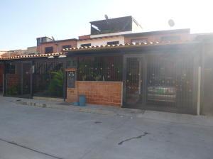 Casa En Venta En Guatire, El Ingenio, Venezuela, VE RAH: 16-18201