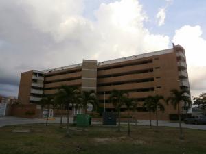 Apartamento En Venta En Caracas, Lomas Del Sol, Venezuela, VE RAH: 16-18211