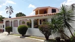 Casa En Venta En Guatire, Valle Arriba, Venezuela, VE RAH: 16-18216