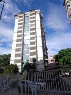 Apartamento En Venta En Caracas, El Marques, Venezuela, VE RAH: 16-18327
