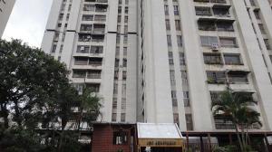 Apartamento En Venta En Caracas, El Paraiso, Venezuela, VE RAH: 16-18428