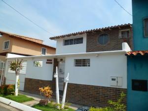 Casa En Venta En Barcelona, Nueva Barcelona, Venezuela, VE RAH: 16-18385