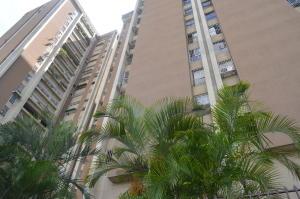 Apartamento En Venta En Caracas, El Paraiso, Venezuela, VE RAH: 16-18388