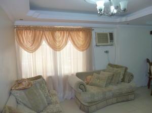 Apartamento En Venta En Cabimas, Nueva Delicias, Venezuela, VE RAH: 16-18395