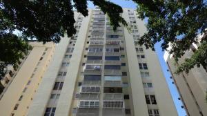 Apartamento En Venta En Caracas, Lomas De Prados Del Este, Venezuela, VE RAH: 16-18448