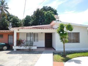Casa En Venta En Maracay, Andres Eloy Blanco, Venezuela, VE RAH: 16-17533
