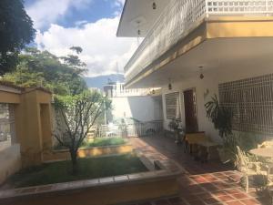 Casa En Venta En Caracas, Vista Alegre, Venezuela, VE RAH: 16-17767