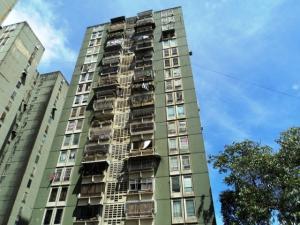 Apartamento En Venta En Los Teques, El Encanto, Venezuela, VE RAH: 16-18454