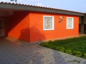 Casa En Venta En Cabimas, Cumana, Venezuela, VE RAH: 16-18416