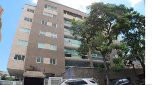 Apartamento En Venta En Caracas, Los Naranjos De Las Mercedes, Venezuela, VE RAH: 16-18426