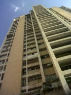 Apartamento En Venta En Caracas, Parroquia La Candelaria, Venezuela, VE RAH: 16-18424