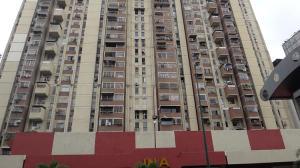 Apartamento En Venta En Caracas, Parroquia La Candelaria, Venezuela, VE RAH: 16-18727