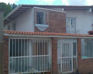 Casa En Venta En Caracas, Alto Prado, Venezuela, VE RAH: 16-18464