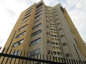 Apartamento En Venta En Maracaibo, Avenida Bella Vista, Venezuela, VE RAH: 16-18466