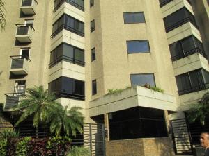 Apartamento En Venta En Caracas, El Rosal, Venezuela, VE RAH: 16-18475