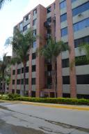 Apartamento En Venta En Caracas, Lomas Del Sol, Venezuela, VE RAH: 16-18487