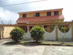 Casa En Venta En Municipio Naguanagua, Los Guayabitos, Venezuela, VE RAH: 16-18538