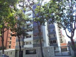 Apartamento En Venta En Valencia, Valles De Camoruco, Venezuela, VE RAH: 16-18539
