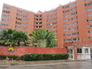 Apartamento En Venta En Margarita, Sabanamar, Venezuela, VE RAH: 16-18541