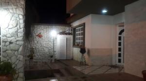 Casa En Venta En Valencia, La Trigaleña, Venezuela, VE RAH: 16-18656