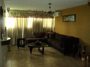 Apartamento En Venta En Maturin, Maturin, Venezuela, VE RAH: 16-18549