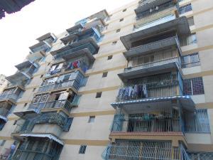 Apartamento En Venta En Los Teques, Municipio Guaicaipuro, Venezuela, VE RAH: 17-2203