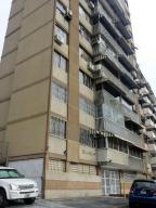 Apartamento En Venta En Caracas, El Marques, Venezuela, VE RAH: 16-18579