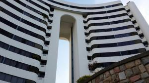 Apartamento En Venta En Valencia, Los Mangos, Venezuela, VE RAH: 16-18611