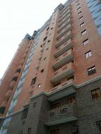 Apartamento En Venta En Valencia, La Trigaleña, Venezuela, VE RAH: 16-18600