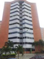 Apartamento En Venta En Valencia, Valle Blanco, Venezuela, VE RAH: 16-18609