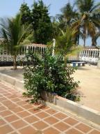 Casa En Venta En Boca De Uchire, La Playa, Venezuela, VE RAH: 16-18621