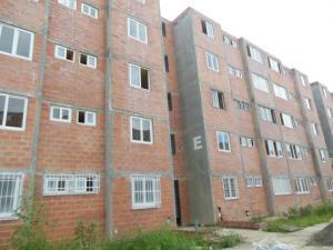 Apartamento En Venta En Cua, Centro, Venezuela, VE RAH: 16-18663