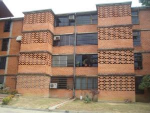 Apartamento En Venta En Guarenas, Nueva Casarapa, Venezuela, VE RAH: 16-18234