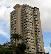 Apartamento En Venta En Caracas, Santa Fe Sur, Venezuela, VE RAH: 16-18692