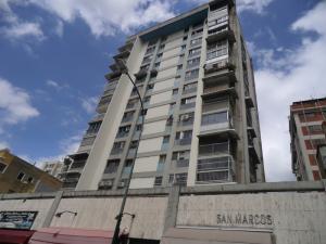 Apartamento En Alquiler En Caracas, Chacao, Venezuela, VE RAH: 16-18750