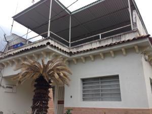 Casa En Venta En Caracas, El Marques, Venezuela, VE RAH: 16-18736